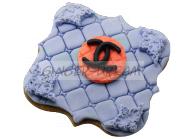"""Имбирные пряники с логотипом """"CHANEL"""" с сахарной мастикой"""